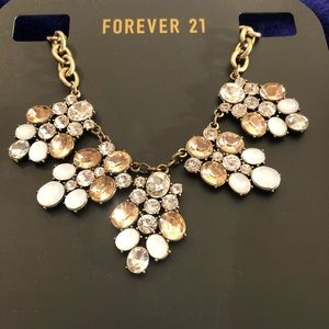 Forever 21 fashion jewelry necklace